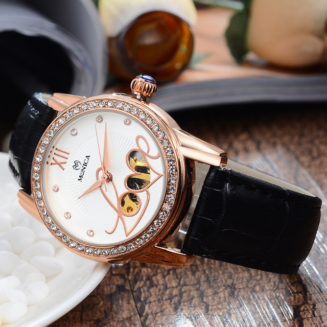 2017 New Fashion Ladies Quartz Wristwatch Waterproof  With Imitation Sapphires