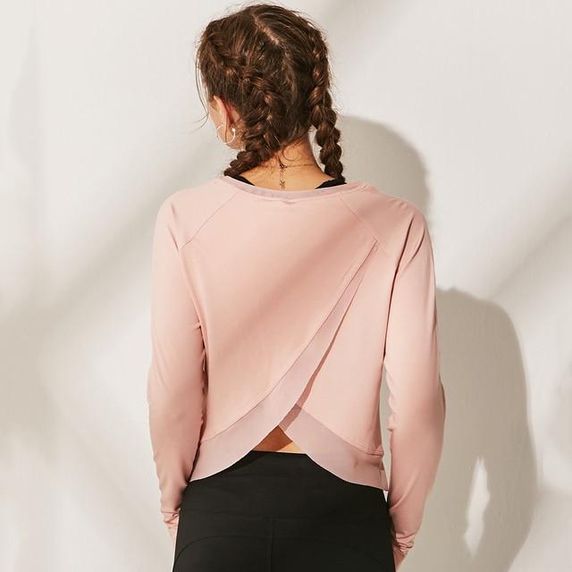 c2991a43e45 O cuello manga larga malla Yoga Shirt mujeres espalda Cruz Wrap Fitness  camiseta con agujeros del
