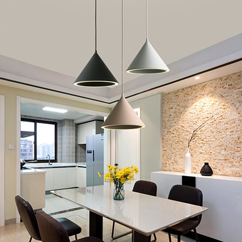 Nordic restaurant LED light creative personality modern simple bar living room bedroom bed bed study Makkalon three chandeliers simple modern wooden nordic restaurant bar cafe modern personality wood study living room balcony iron pendant light