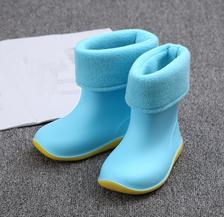 2018 Neue Wasserdichte Kinder Rain Soild Bonbonfarben Gummi Warme Jungen Mädchen Regen Stiefel Kinder Regen Schuhe Drop Ship Geschickte Herstellung