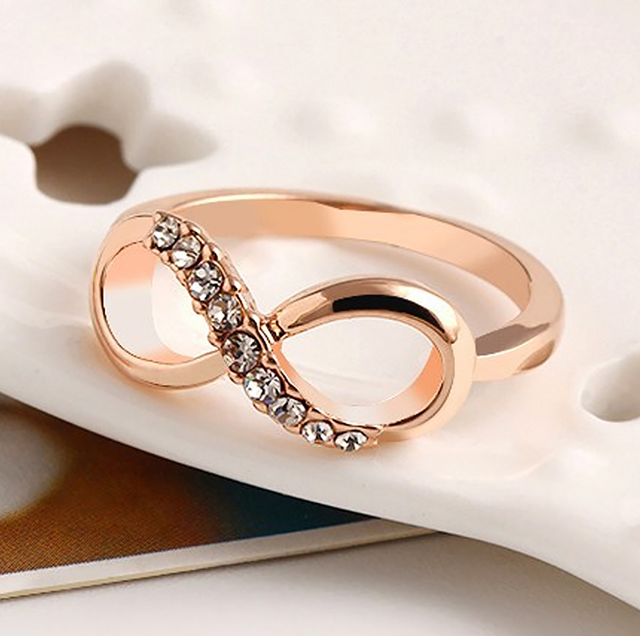 geekoplanet.com - Crystal Infinity Ring