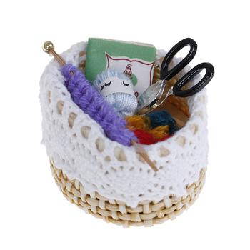 1 12 Dollhouse miniaturowe Mini wełniane narzędzie dziewiarskie lalka zabawka do udawania prezent kolekcjonerski tanie i dobre opinie KittenBaby Drewna Unisex 1 12 dollhouse miniature 5-7 lat 8 lat 6 lat Wyroby gotowe