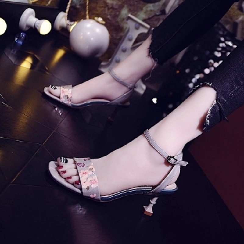 2018 summer new female Korean version of the wild fashion print word buckle sandals stiletto sexy cat shoes. xczj sandals female 2018 summer new thick with bow tie lattice shoes korean students wild word buckle high heels