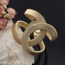 UKEN Fashion Designer Jewelry Elegent Alloy Wide Spring Cuff