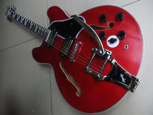 Wholesale New Jazz Guitar 1959 ES-335 ES355 electric guitar bridge bigsby in aged red ES 355 110408 new arrival dave grohl guitar dg 335 electric guitarra goldtop jazz style diamond holes metallic in gold 170920