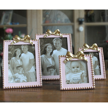 Hot Selling Newest Creative Staircase Stereo Bow Frame Home Decoration  Staircase Photo Frame Photo Frame For