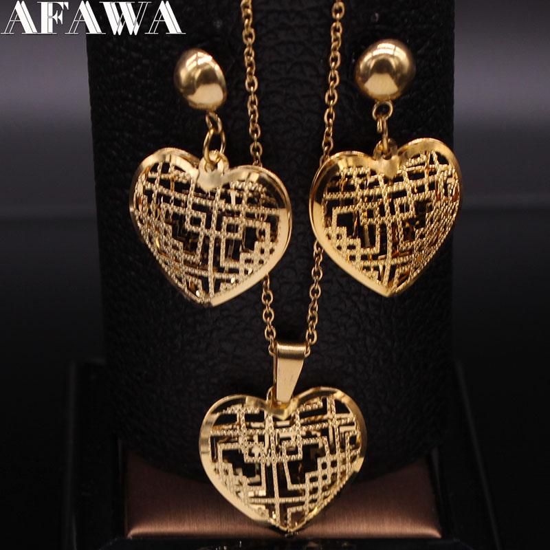 2021 Fashion Heart Stainless Steel Jewelry Set for Women Hollow Small Gold Color Earring Necklace Sets set de joyas S1352S01