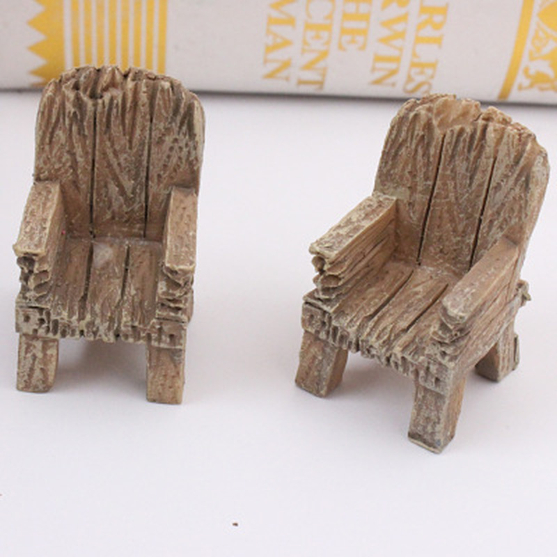 2pcs/Pair Cute Mini Simulated Wooden Chair Ornament Resin Craft Micro Landscape Fairy Garden Miniature Home Garden Decoration