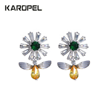 Cute Female Bee Animal Stud Earrings Fashion Wedding Jewelry Colorful Crystal Zircon Flower For Women