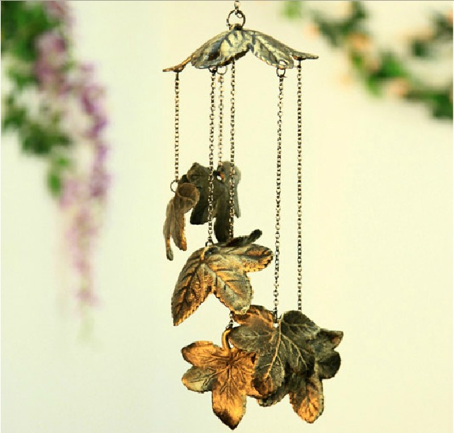 Casting Iron Antique Imitated Wind Chimes, 7 Beautiful Leaves Vintage Wind Bells for Home/Door/Balcony Decoration