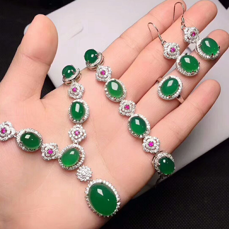 Yu Xin Yuan Fine Jewelry Natural Ice Of Green Chalcedony Necklace Hand Catenary Ring Stud Earrings Four Pieces Sets цена