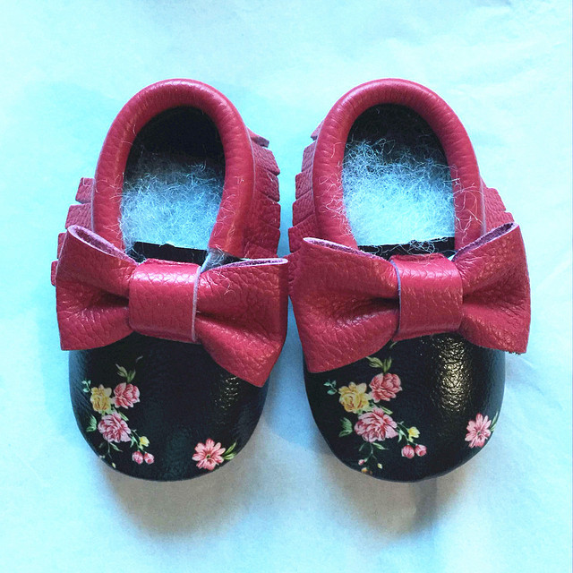 Wholesale First Walkers Genuine Leather Double Bow Baby shoes Mixed Colors Print Flowers Toddler Tassel Baby moccasins