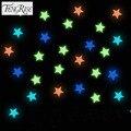 FENGRISE 100 pcs Adesivo de Parede 3D Colorido Estrelas Luminosas Adesivos Glow In The Dark Fluorescente Plástico Decalque Kids Room Home decoração