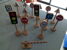 Купить с кэшбэком New Wooden Baby Toys Traffic Sign Baby Educatinal Toys Baby Gifts