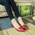 Весна Осень Новый Женская Обувь Zapatos Mujer Solid Заклепки Лакированной Кожи Низкий Топ Женский Скольжения На Женщину Рабочих Квартиры Дышащий