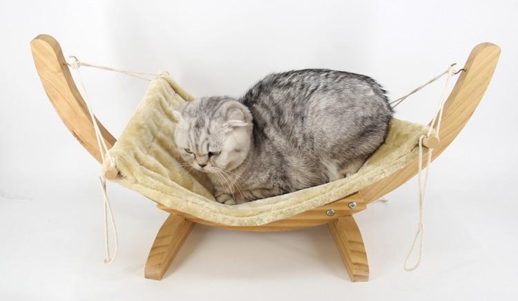 Hamac en bois pour chats