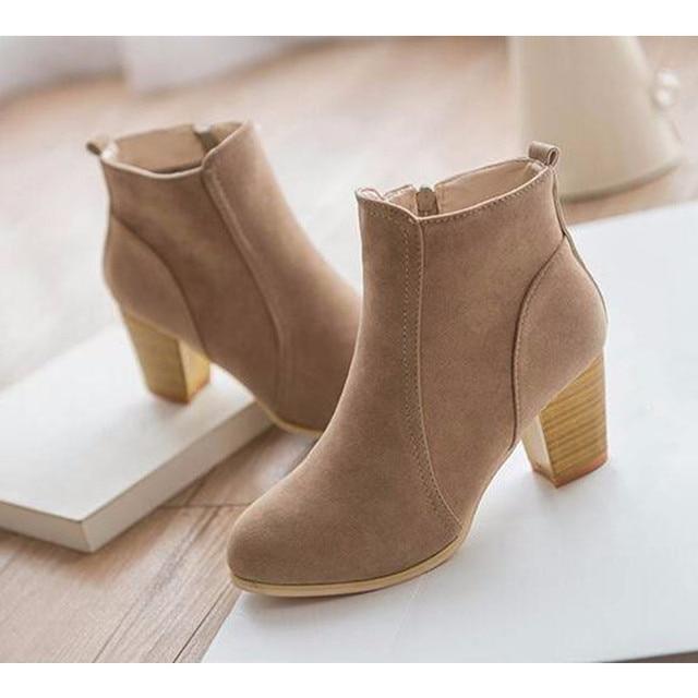 Short Cylinder Boots