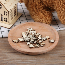 50pcs/pack Natural Wooden DIY Christmas Tree Hanging Ornaments Pendant Gifts Tree Snow Flakes Star Shape Xmas Ornaments Decor