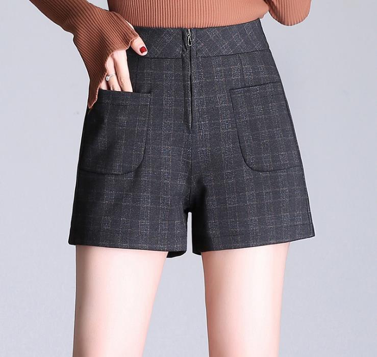 2018 New gray plaid a word shorts womens high waist thin shorts