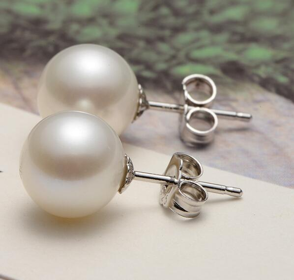 PAIR OF 11-12MM NATURAL SOUTH SEA GENUINE WHITE ROUND PEARL EARRING 14k pair of huge 12mm natural south sea genuine white pearl stud earring 14k