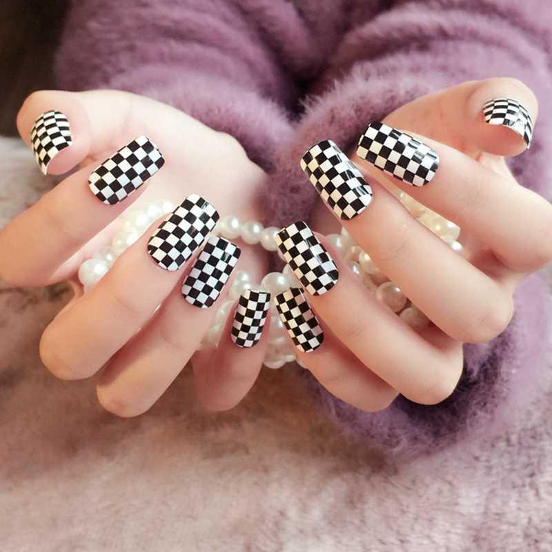 Shine Surface Acrylic Flat Fake Nails Black N White Lattice Board Patterns Long Size Full Nail Tips 24Pcs Z280