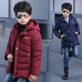 Новые зимние мальчики пуховик хлопок проложенный вниз и парки с капюшоном водонепроницаемый сгущает теплый мальчик верхняя одежда пальто детская одежда