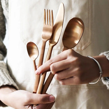"""4 יח\חבילה חדש הגעה צבעים סכו""""ם סט מט נירוסטה כלי אוכל סט שחור עלה זהב סכין מזלג סקופ כלי שולחן סט"""
