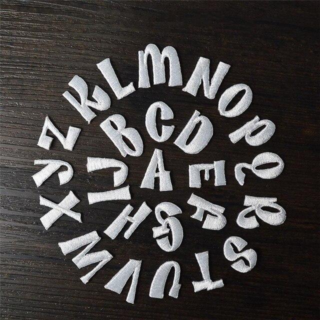 1 inglese Lettere di alfabeto ricamato patch applique bianco di ferro sulle lett