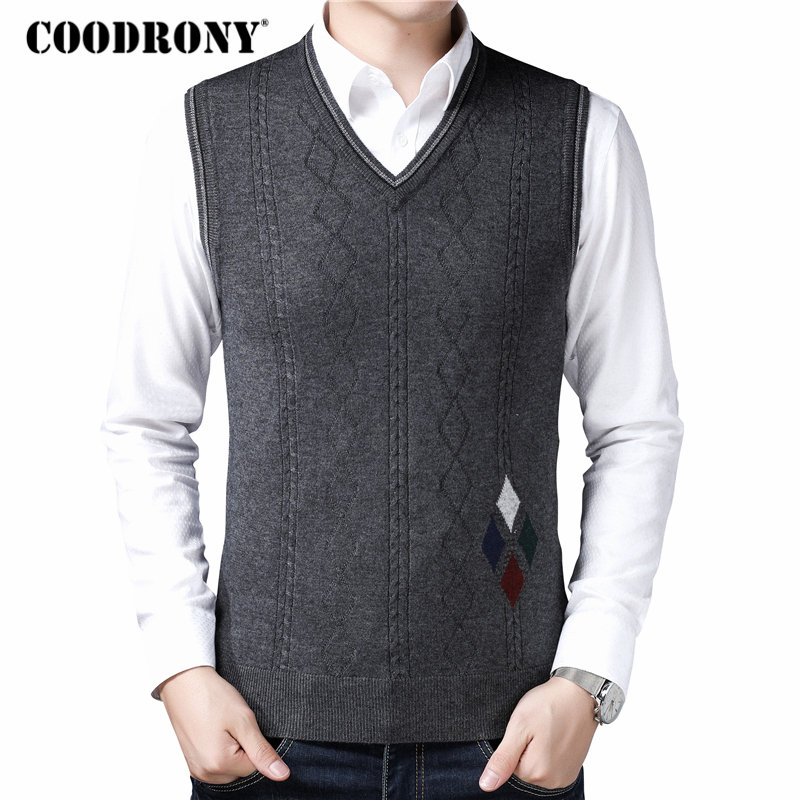 COODRONY Sleeveless Vest Men Clothes 2018 Autumn Winter New Arrival Knitted Cashmere Wool Sweater Casual Argyle V-Neck Vest 8173