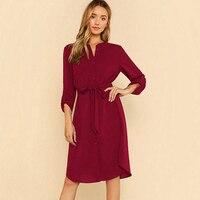 Яркое красное платье-рубашка