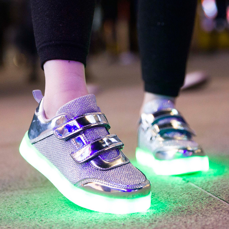 2017 New Luminous Shoes for Kids Children Baby Brand Usb Charging Sneakers Fashion Boys Girls Led Lamp Flashing Shoes