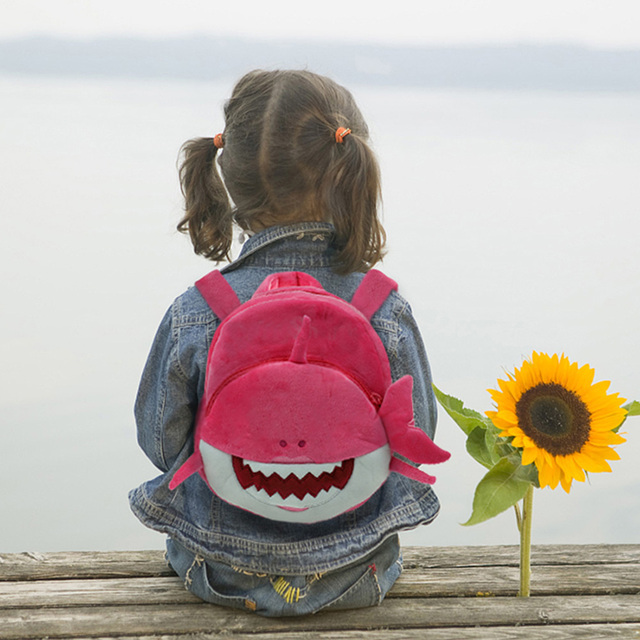Dropship Baby Plush Shark Backpack Cute Cartoon Animal Schoolbag Travel Bag Kids Mini School Bag Pre-School Backpack 3