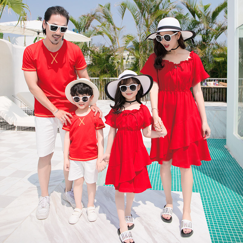 Family matching clothes father mother daughter son mom mommy and me clothes beach dress tshirts pants couple family look wear 33Family matching clothes father mother daughter son mom mommy and me clothes beach dress tshirts pants couple family look wear 33