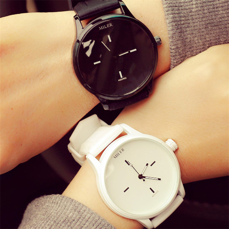 Black White Couple Watches Tables Fashion Spell Color Analog Big Dial Men Women Silicone Watch Dress Clock Unisex Quartz Watches
