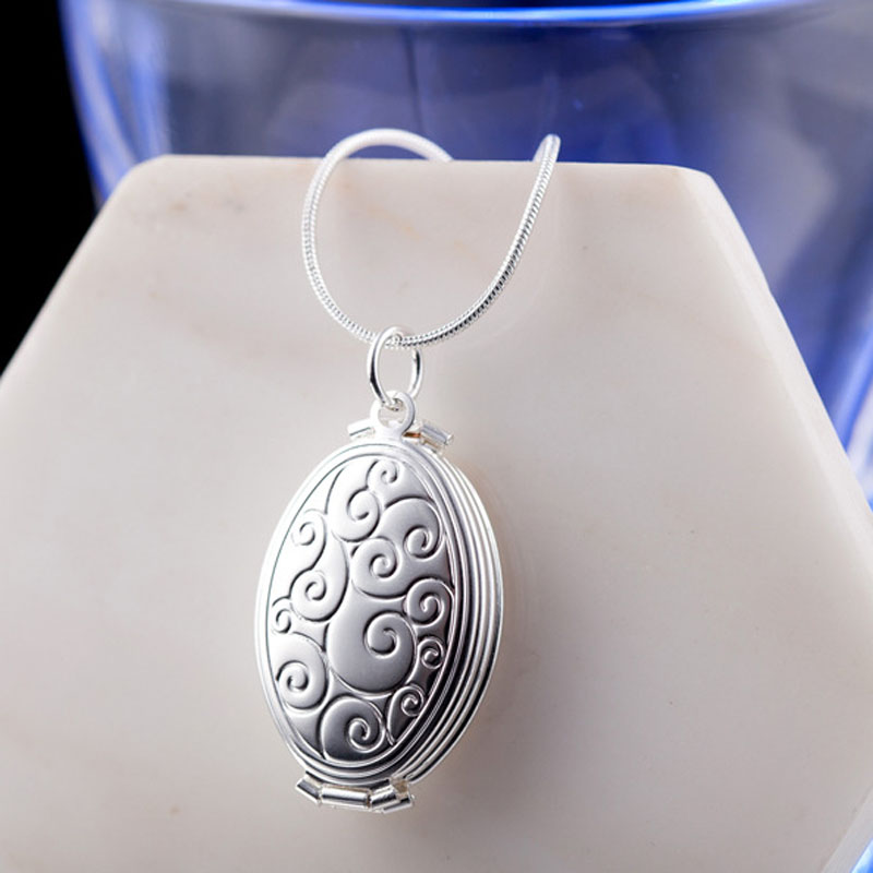 Lovers/daughter/Son Photo Pendant Necklace gold color Floral Patterns Carved Oval Locket Picture Plata Necklace Jewelry locket
