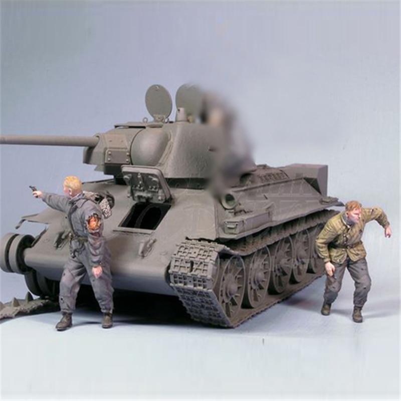 Resin Figures 1:35 WW2 Escape From Soviet Tank Crew (2pcs/lot) 27G