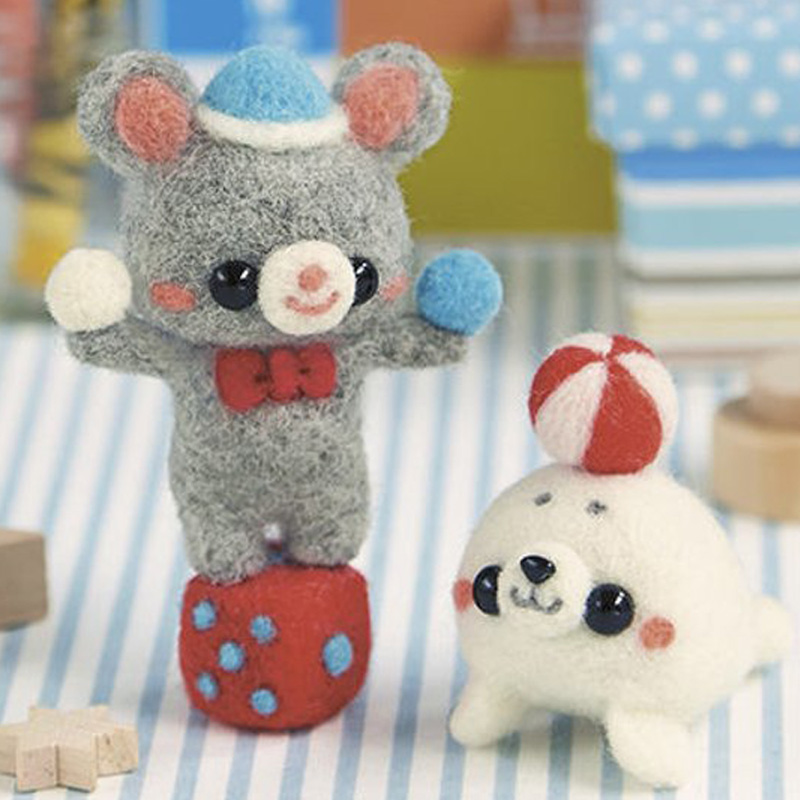 2019 Cartoon Circus Troup Bear And Dolphin Wool Needle Felting Toy Doll Wool Felt Poked Needle Kit DIY Package Non-Finished