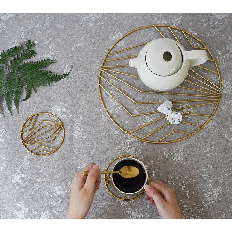 Nordic Glod Pentola di Ferro Cup Pad Coasters Cup Tovaglietta Stuoia della Tazza di Caffè Tavolo Isolamento termico Anti-caldo Pad Casa decorazione del desktop