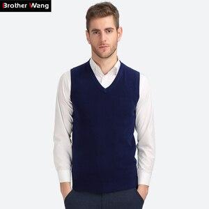 Image 1 - Brother Wang gilet tricoté décontracté en coton pour hommes, col en V, pull Slim, noir, nouvelle collection automne hiver 2020