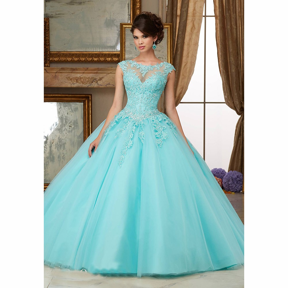 Turquoise Puffy 2019 pas cher Quinceanera robes robe de bal Cap manches Tulle Appliques dentelle cristaux doux 16 robes