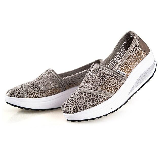 Nuevos Zapatos para caminar de verano para mujer Zapatos transpirables mocasines  de mujer estilo clásico Sapatenis 03d89d504cc5