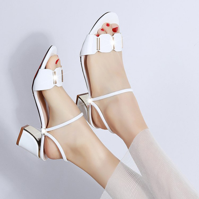 2019 New fashion Party Slippers Women Summer Shoes red  Black White Buckle Chunky Heel Ladies Slides Female Sandals Shoes