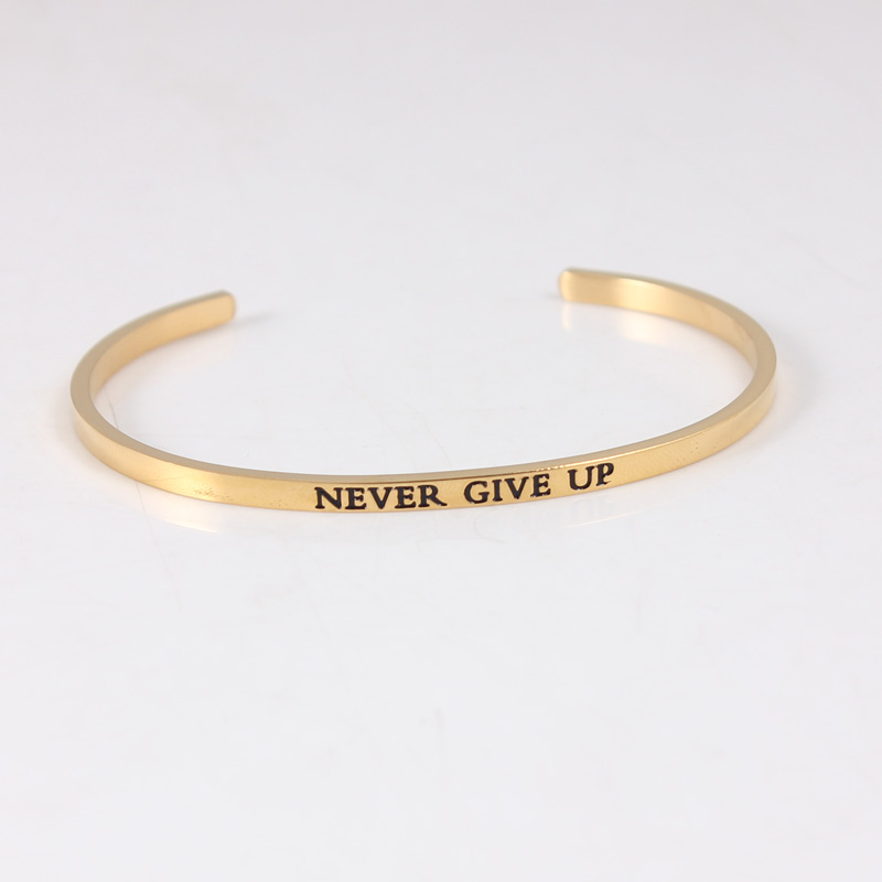 Bracelet à manchette ouverte en acier inoxydable 316L et Bracelet en or gravé jamais abandonner Mantra inspirant Bracelet bracelets pour femmes