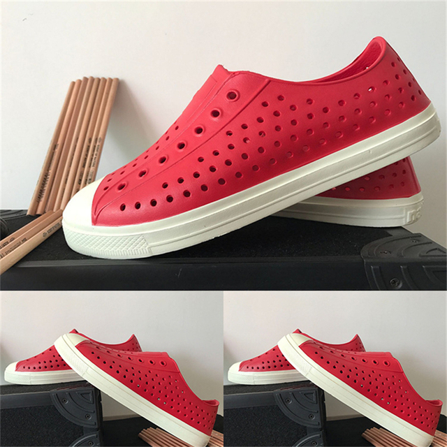 2018 Fashion Lovers Hole Fashion Men Shoes Sandals Brand Flat Casual Summer  Shoes superstar shoes size 36-44 245fc4207ced