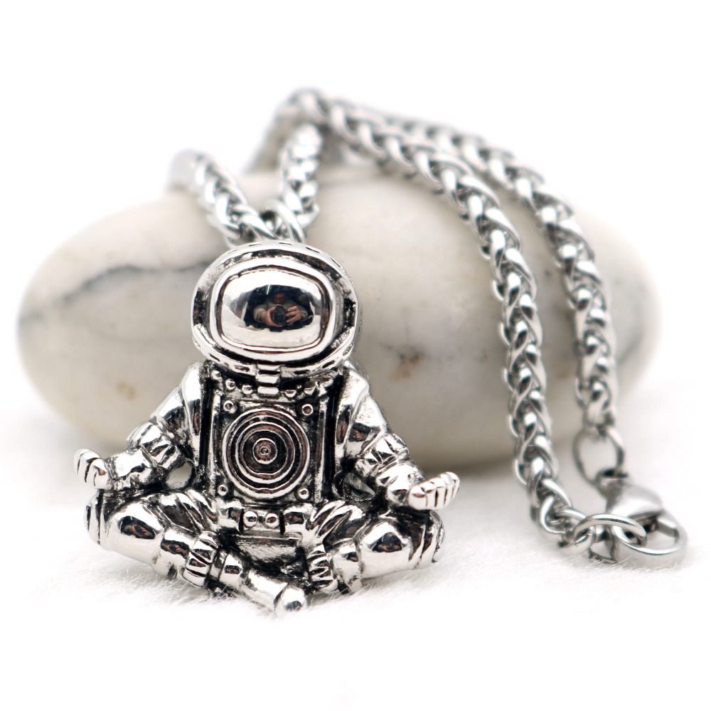 Astronaut Anhänger Halskette Galaxy Universum Raumfahrer Meditation Schmuckstück Retro Edelstahl Kette Männer Halskette