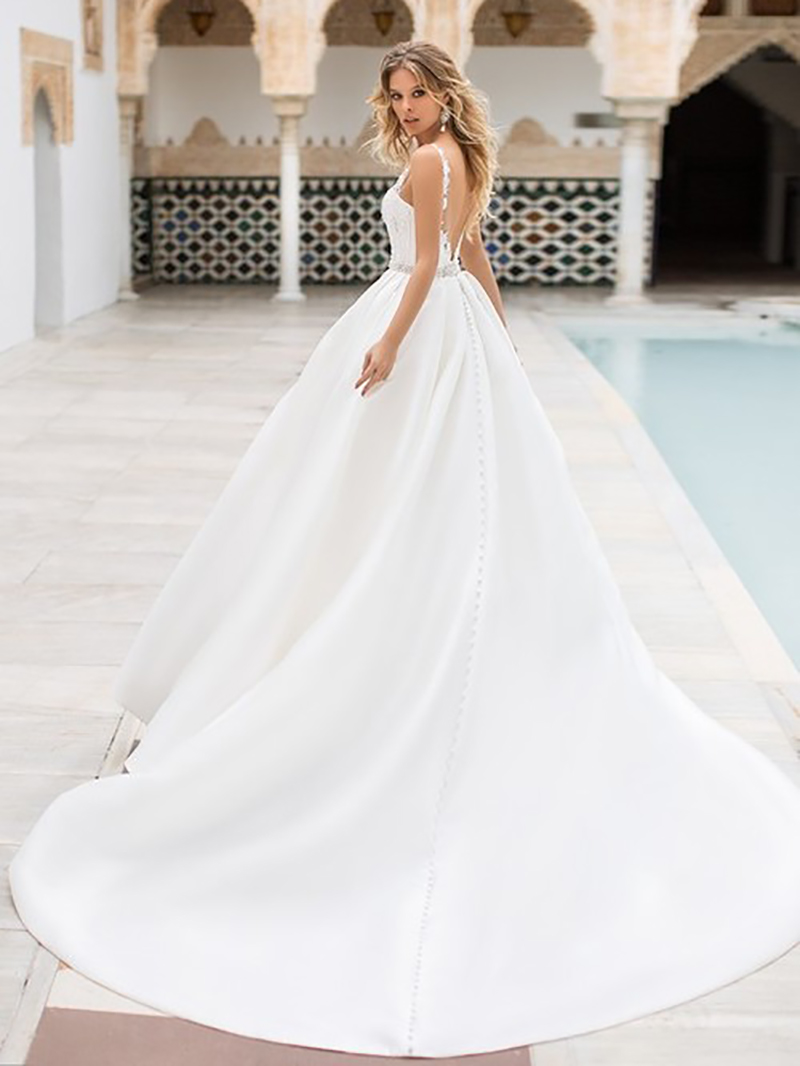 Sexy A Line Wedding Dress Lace Appliques Illusion Bridal Dress Sleeveless Wedding gowns Floor Length