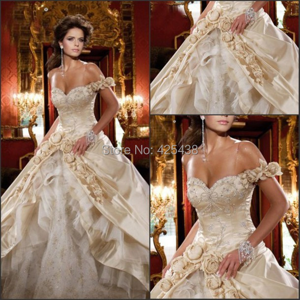 Vintage Royal White/Gold Ball Gowns Tired Straps Beautiful Wedding ...