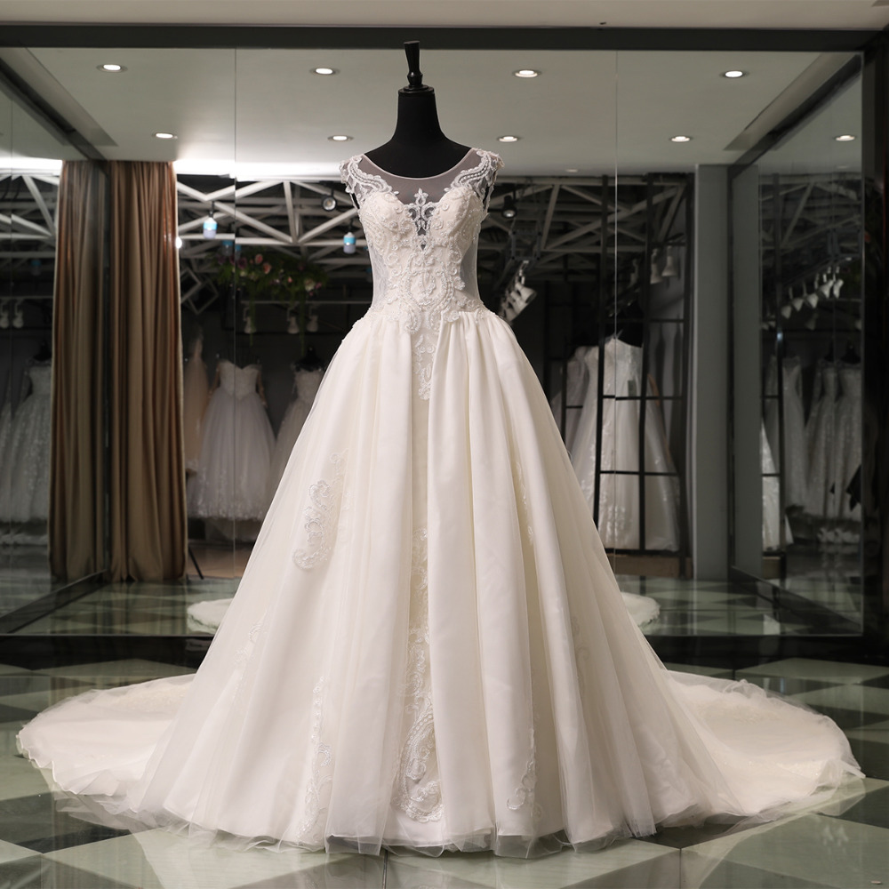 Favordear 2018 New High End Expensive Top Quality Ball Gown Wedding Dress Nestido De Noiva Beaded Back Lace Up Back Bridal Gowns