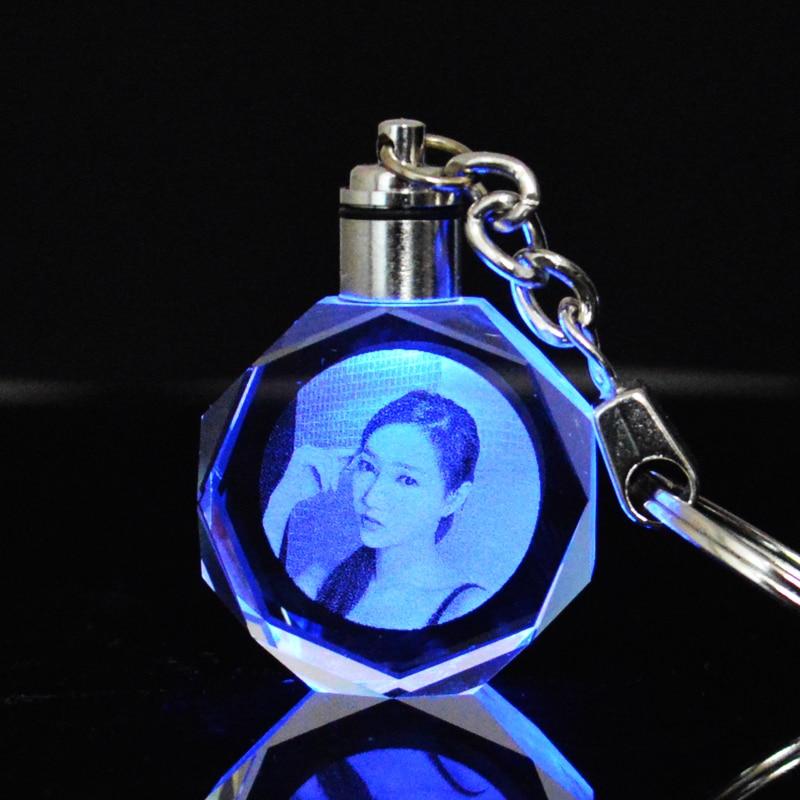 Custom Photo Couple Family Souvenir Gift Laser Carve Crystal Keychain Photo Colorful LED Light Key Chain
