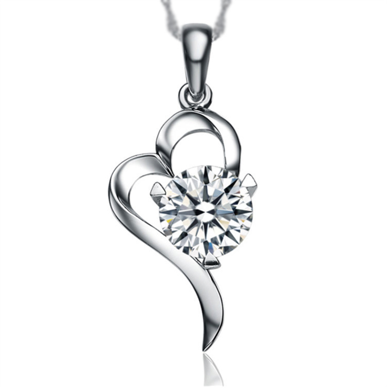s925 silver Heart Pendant Fashionable models Half love Fine inlaid crystal necklace 2017 new brand standard silver